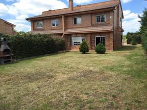Casa adosada en Alquiler con opción a compra en Villamayor- Campo de Golf / Villamayor