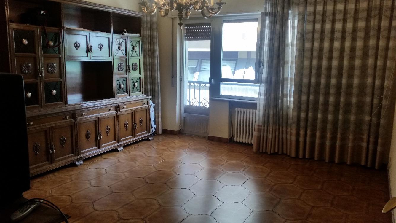 Piso en venta con 100 m2, 4 dormitorios  en Centro (Salamanca)