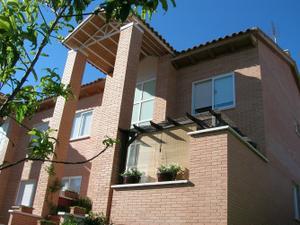 Casa adosada en Venta en Entrepinos / Olías del Rey