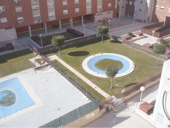 Foto 1 de Piso en Calle Jorge Luis Borges / Ensanche, Alcalá de Henares
