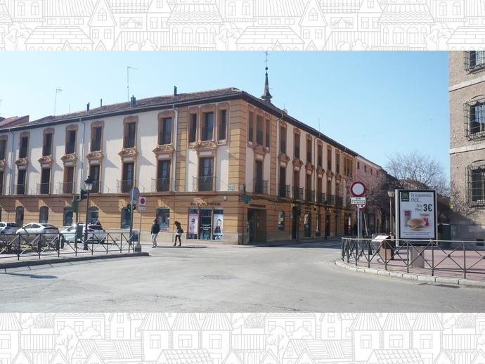 Oficina en alcal de henares en casco hist rico en calle for Oficina de turismo alcala de henares