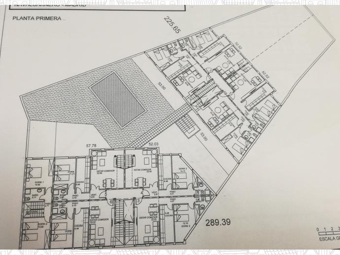 D plex en navalcarnero en zona casco antiguo en calle for Piscina navalcarnero