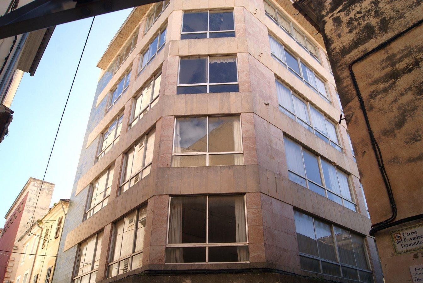 Building  Carrer d'es pou fondo, 23. Fantástico edificio de 1.750 m2 compuesto de 6 plantas y sótano