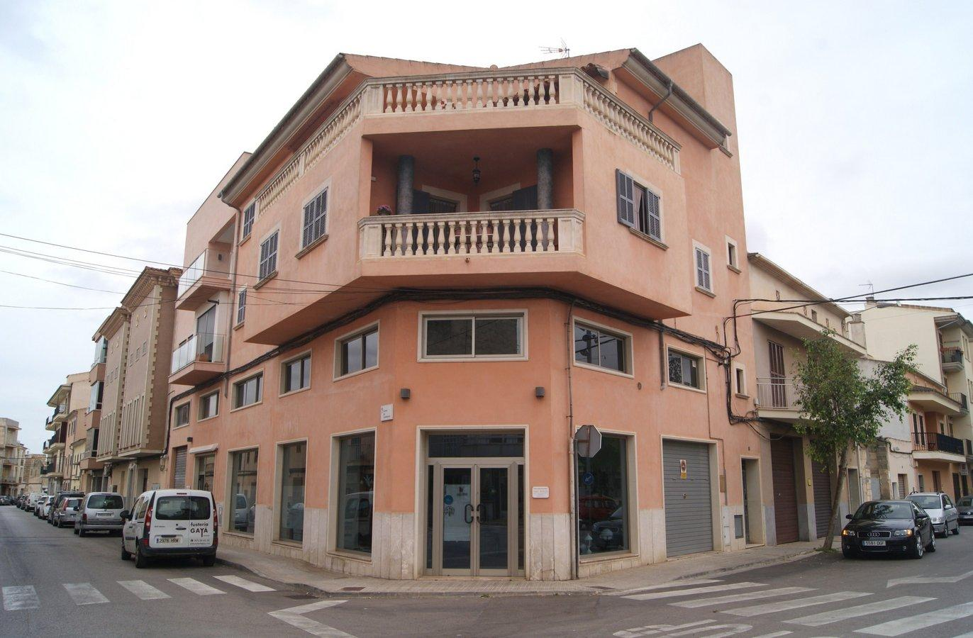 Rental Business premise  Calle. Fantástico local comercial ideal para cualquier clase de negocio