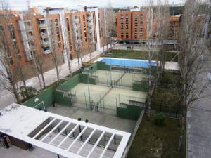 Piso en Alquiler en Lirios / Valderas - Los Castillos