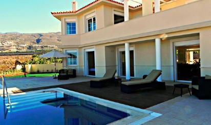 Viviendas en venta con terraza baratas en España