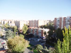 Piso en Alquiler en Ginzo de Limia / Fuencarral