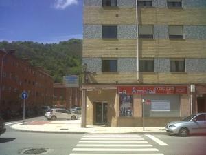 Alquiler Local comercial  pola de laviana, zona del parque