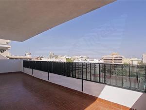 Áticos de alquiler con terraza en España