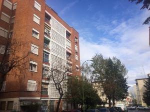 Piso en Alquiler en Camarena / Latina
