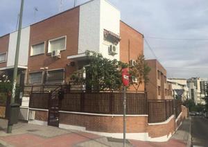 Casa adosada en Alquiler en Otero y Delage / Fuencarral