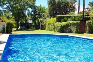 Casa adosada en Venta en Estepona Este - Paraíso - Atalaya- Benamara / Estepona Este