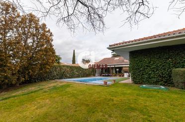 Casa adosada en venta en Paseo de Los Sauces, Urb. Este - Montepríncipe
