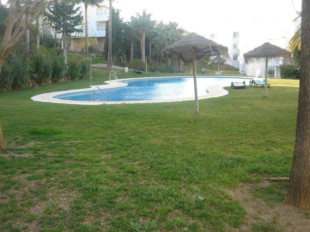 Apartamento en venta en Estepona Oeste - Valle Romano - Bahía Dorada