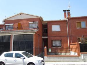 Casa adosada en Venta en Fuensalida, Zona de - Fuensalida / Fuensalida