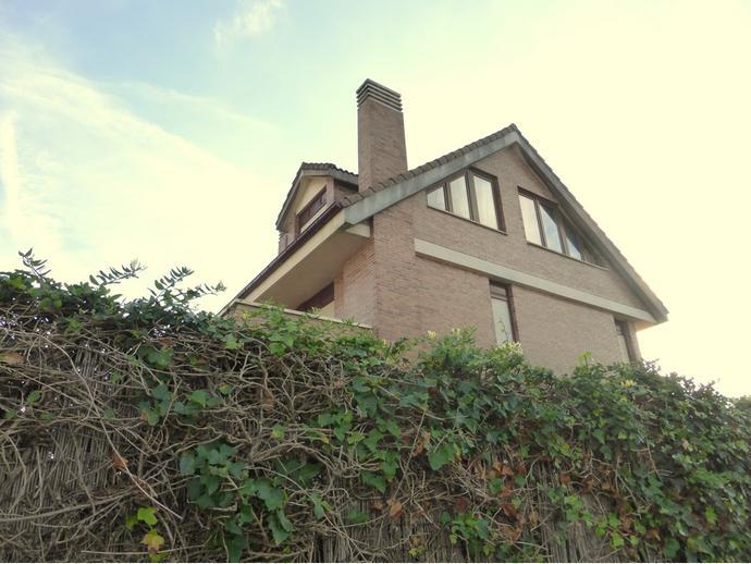 Foto 1 de Casa adosada en Berria / Santoña