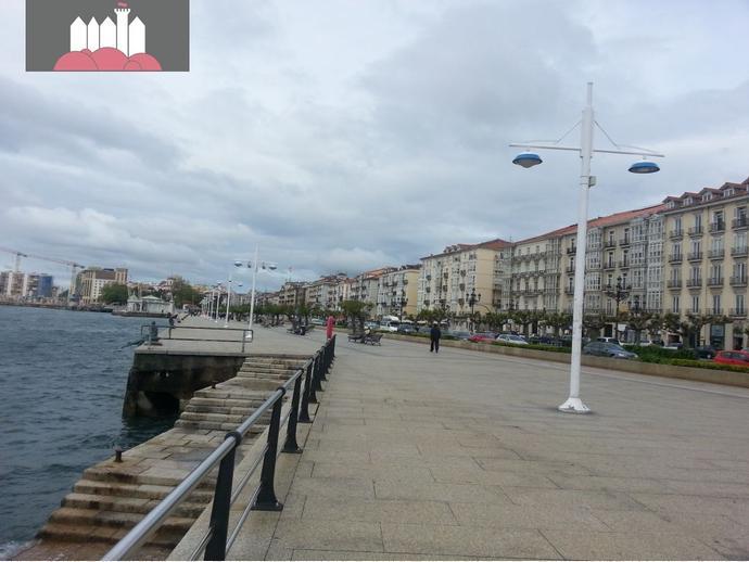 Piso en santander en puerto chico en santander centro for Compartir piso santander