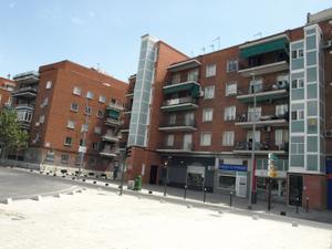 Local comercial en Alquiler en Portugal, 157 / Latina