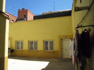 Local comercial en Alquiler en Vicente Camaron, 37 / Latina