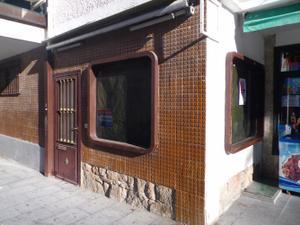 Local comercial en Alquiler en Marques de la Valdavia, 15 / Villalba Estación