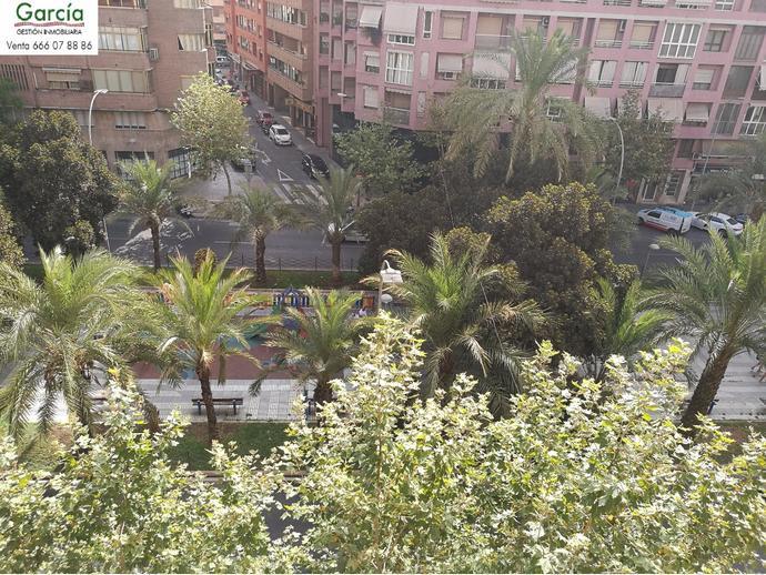 Foto 1 de Piso en  Avenida Oscar Espla / Ensanche - Diputación, Alicante / Alacant
