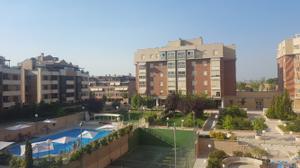 Piso en Venta en Monasterio de Montesclaros / Fuencarral