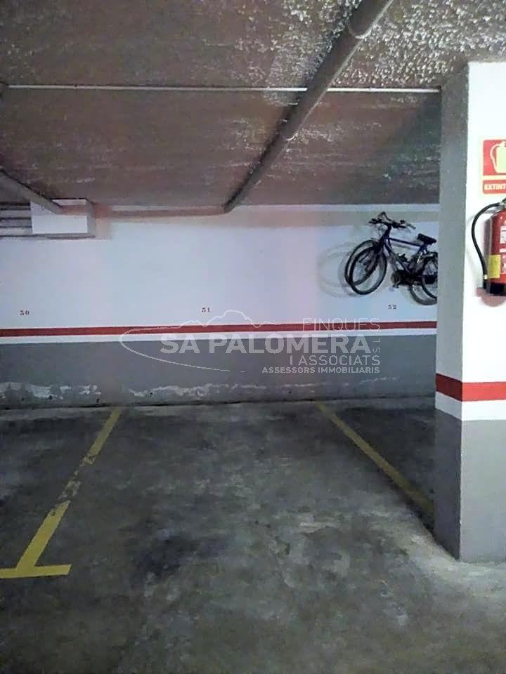 Aparcament cotxe  Los pinos. Este plaza de parking se encuentra en blanes, gerona, en la zona