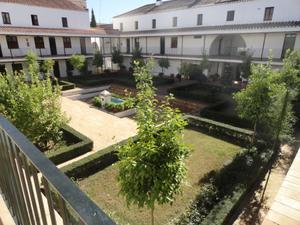 Piso en Alquiler en San Laureano / Casco Antiguo