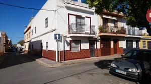 Casa adosada en Venta en A 50 Mts Avda Los Pirralos Excelente Ubicacion / Centro - Doña Mercedes