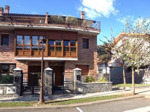 Casa adosada en Venta en Eguzkialde / Irura