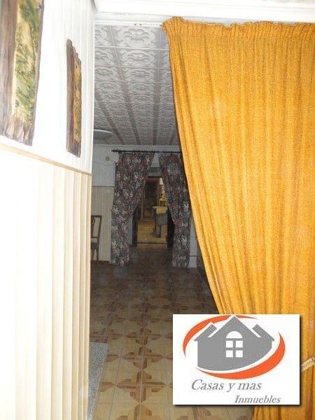 Casa en Madrigal. Casa esquinera