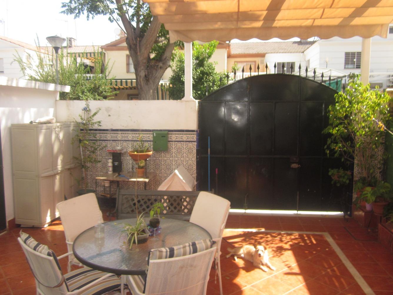 Chalet en venta en Este - Alcosa- Torreblanca - Colores - hellip;
