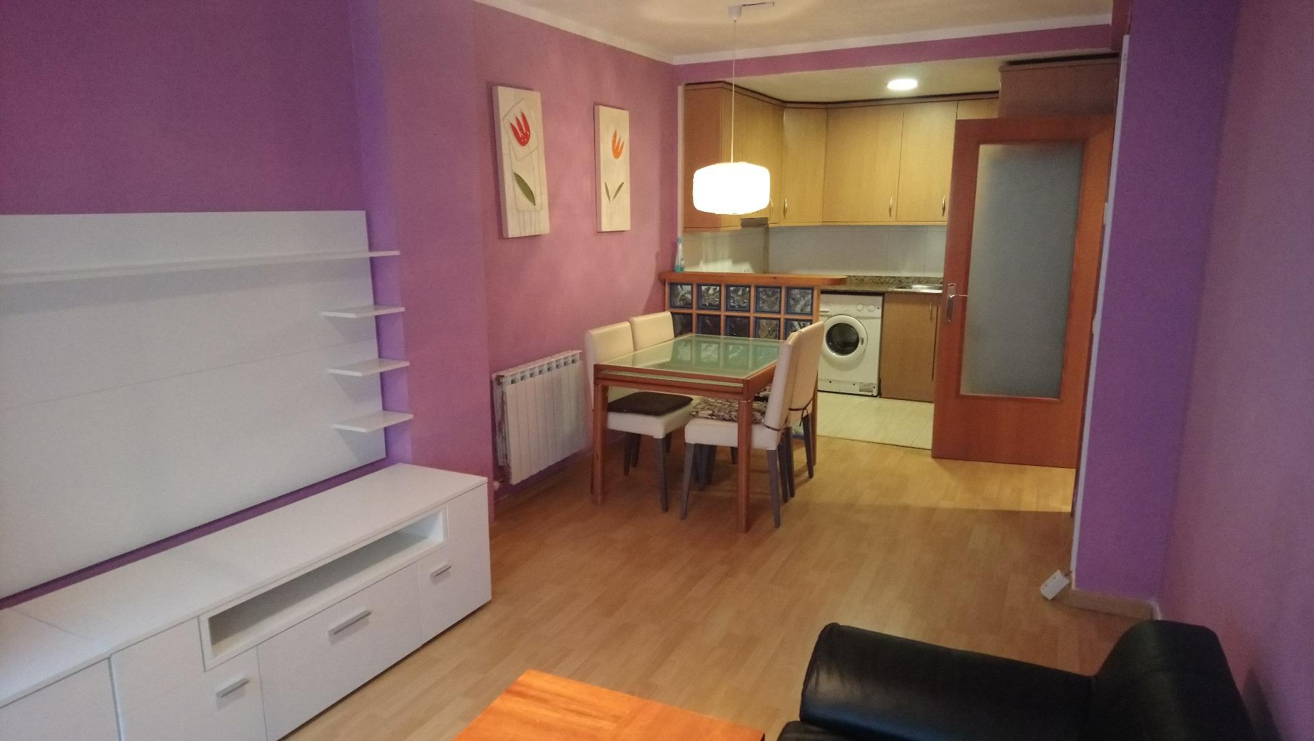 Affitto Appartamento  Carrer santiago rusiñol. Pis en planta baixa al c/ santiago rusiñol, amb rebedor, 3 habit
