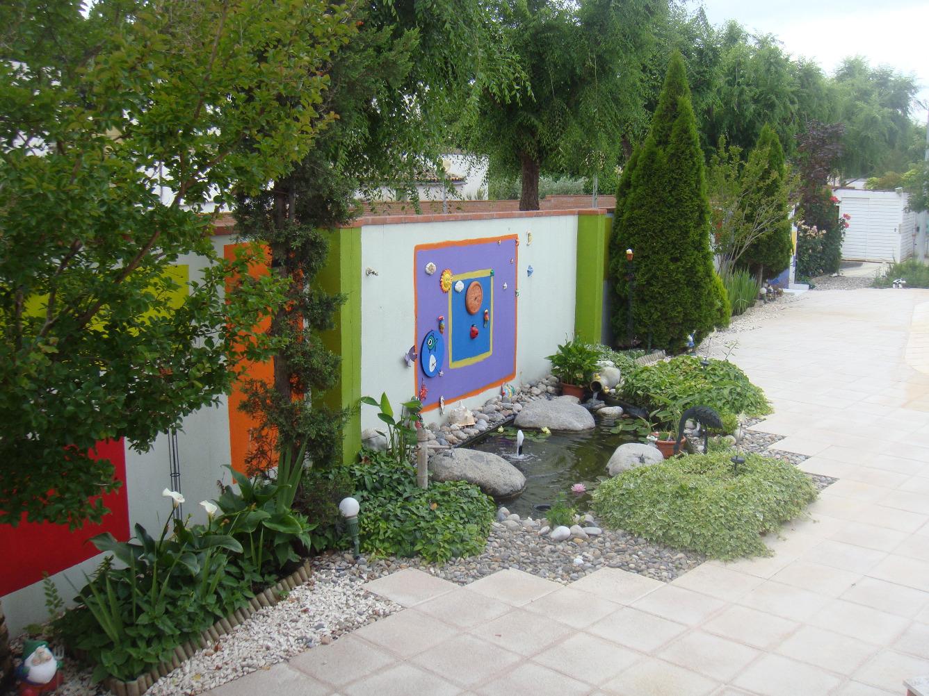 Lloguer Casa  Lleida capital - joc de la bola - camps d'esports - ciutat jardí. Chalet 650 m2 y su parcela de 614 m2, mas parcela anexa 627 m2 (