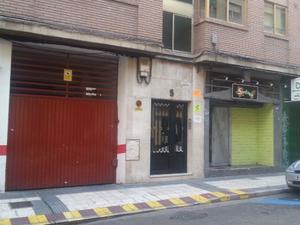 Local comercial en Alquiler en Fita / Centro