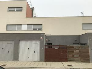 Casa adosada en Venta en Olivera, La (Grupo), 32 / Villafranca de Ebro