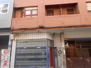 Local comercial en Venta en Cervantes, 39 / Centro