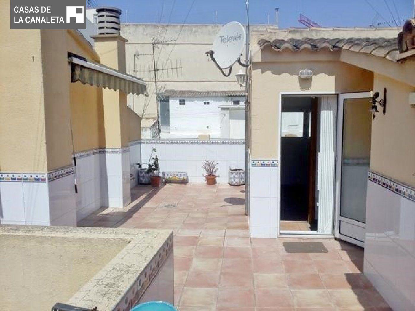 Alquiler Casa  Mislata ,distrito la constitucion-canaleta. Excelente casa en venta y alquiler, no la dejes escapar!