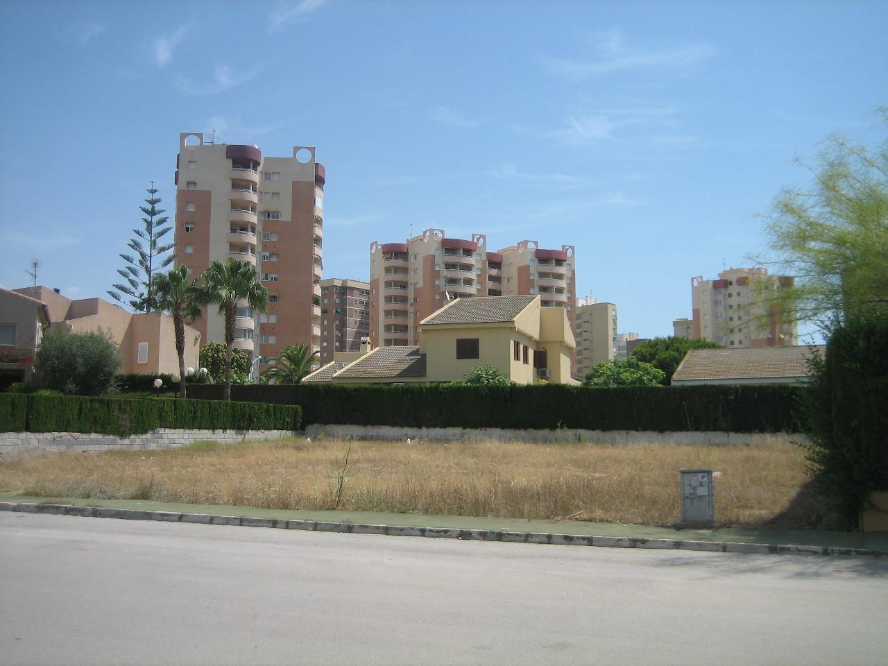 Solar urbà  Orihuela, dehesa de campoamor zona d. Particular vende parcela edificable ideal para chalet unifamilia