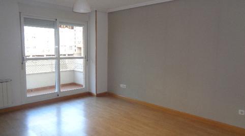 Foto 3 de Piso de alquiler en Los Arces Prado Santo Domingo - Ensanche, Madrid
