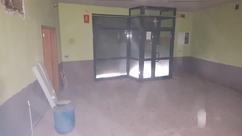 Edificio  Calaf - òdena, zona de - òdena. 90 m2. en bajos + 2 planta: local comercial 50 m2. planta 1ª d