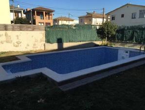 Casa adosada en Venta en Riera I Bertran, 40 / Porqueres