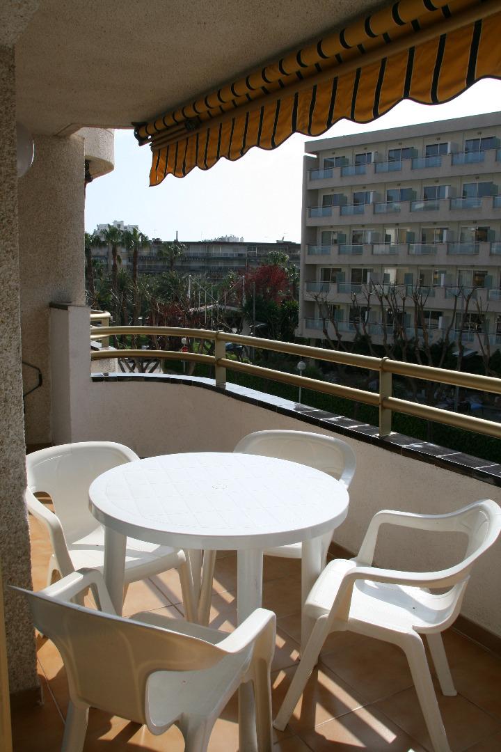 Lloguer de temporada Pis  Calle burguera, 2. Apartamento a 5 minutos de la playa