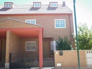Casa adosada en Venta en Pilon Viejo / Calera y Chozas