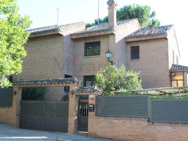 Chalets en venta con terraza en Madrid Provincia