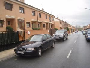 Chalet en Alquiler en Illescas, Ch. Sem.nue.vo. 3 Plan.tas. 150.000e / Illescas
