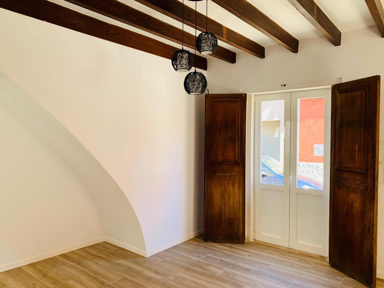Lloguer Casa  Andratx, zona de - Andratx. Casa recién reformada con patio en Andratx