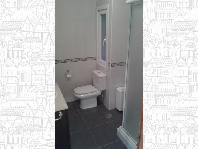 Photo 1 of Flat in Santa Cristina-Perillo: Piso 3 Dormitorios / Perillo, Oleiros