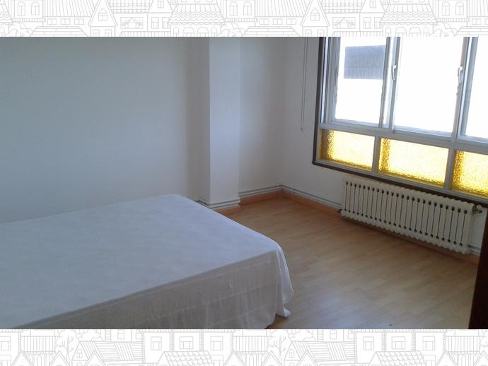 Photo 4 of Flat in Santa Cristina-Perillo: Piso 3 Dormitorios / Perillo, Oleiros