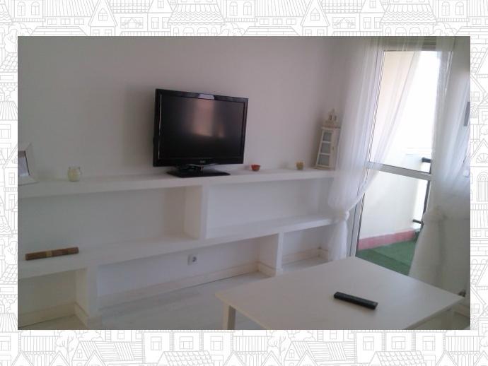 Foto 2 de Piso en Bastiagueiro-Lians: Piso Para Curso Escolar De 2 Dormitorios / Liáns, Oleiros